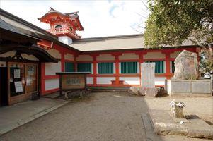 大宮神社・燈籠殿